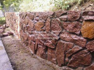 камень бутовый красный Лезники